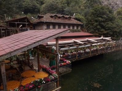 Restauracyja i centrum rekreacyjne