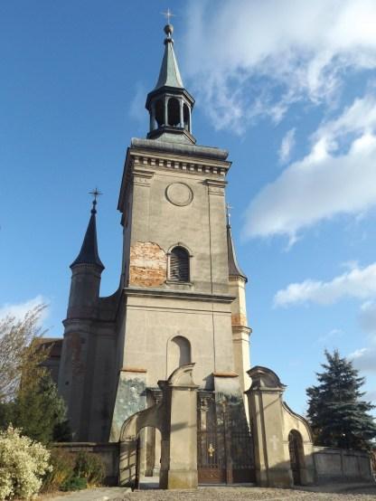 Kościół św. Trójcy - może i lekko zanedbany ale i tak spoko