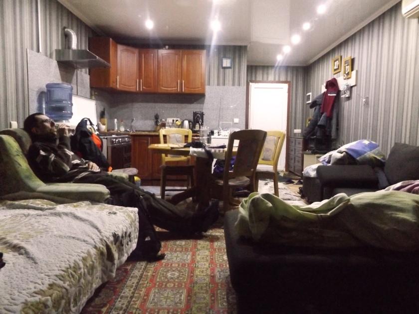 maras w naszym sitcomowym mieszkanku.jpg