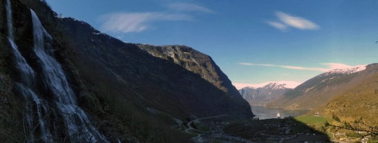 Brekkefossen oraz Aurlandsfjord.