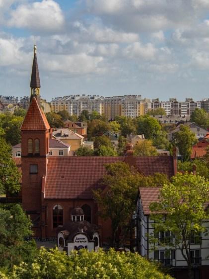 Cerkiew Przemienienia pańskiego widziane z Wieży Ciśnień. Dalej mniej historyczne osiedle bloków ;)