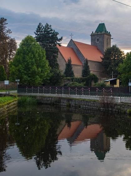 Kościół pw. Świętej Trójcy, ten gotycki.