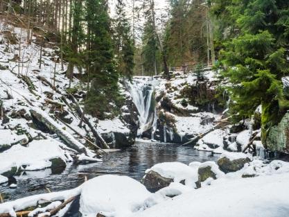 Wodospad Szklarki w pełnej krasie.