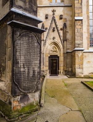 Portal z postacią Św. marcina na konu