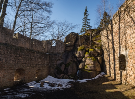 Zamek Bolczów.