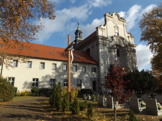 Kościół ŚW. Walentego oraz klasztor Franciszkanów.