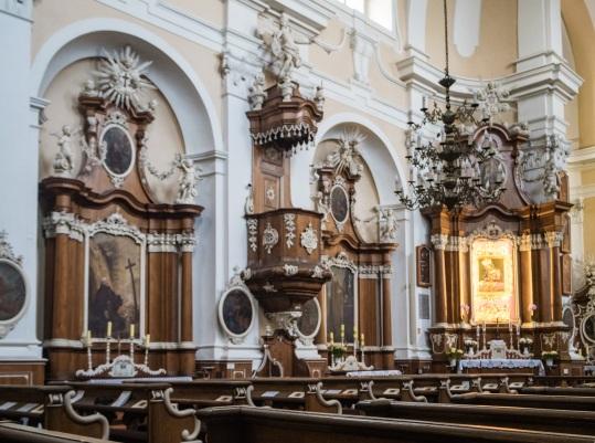 Wnętrza kościoła Św, Walentego